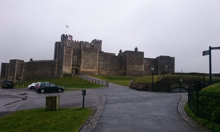 What are 5 Features of Norman Castles?